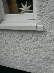 subsidence cracks to window